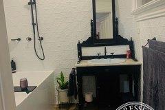 PressedTinPanels_Clover_Bathroom_ClassicWhite_SimonBull