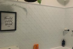 PressedTinPanels_Clover_Bathroom_ClassicWhite_SimonBull8