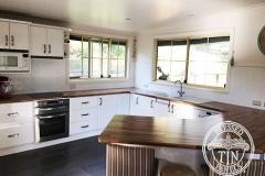 PressedTinPanels_Clover_Kitchen_Splashback_Classic-White