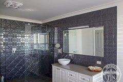 PressedTinPanels_Snowflakes_Bathroom_SteelPearl2