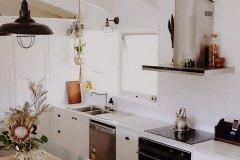PressedTinPanels_Snowflakes_KitchenSplashback_White_OurSandyDays2