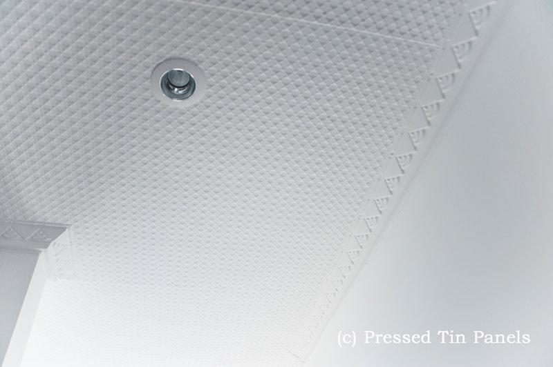 PressedTinPanels_Stars900x1800_Ceiling_BondiCornice_White