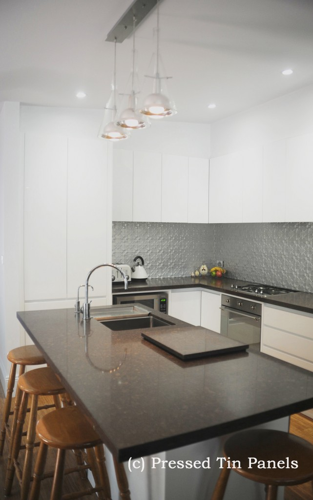 PressedTinPanels_Original900x1800_Kitchen_Splashback_MercurySilver_1