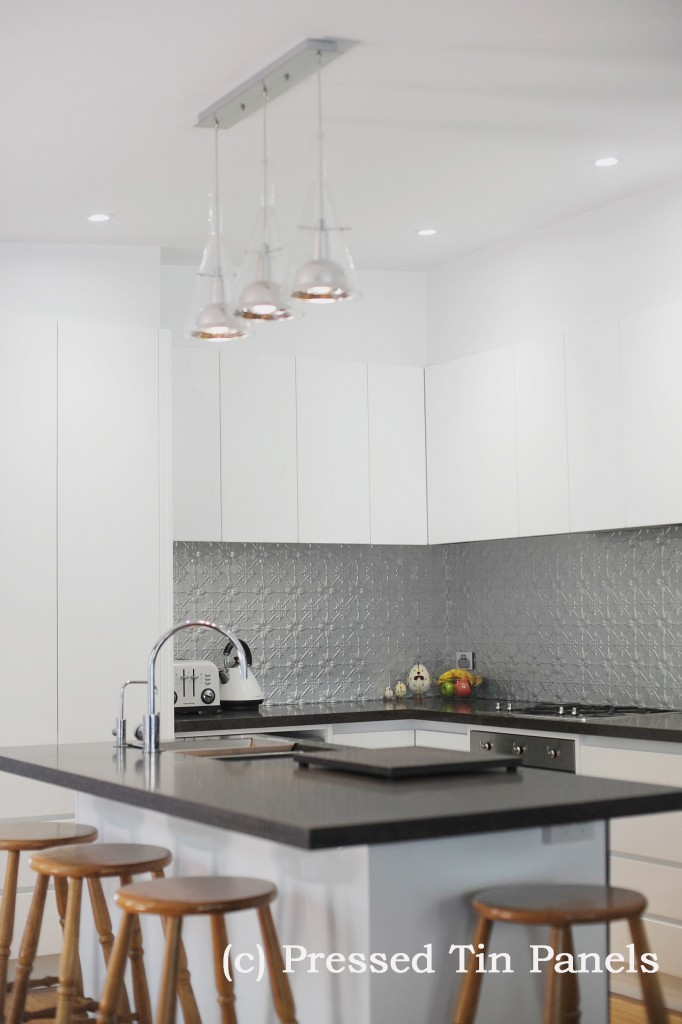 PressedTinPanels_Original900x1800_Kitchen_Splashback_MercurySilver_2