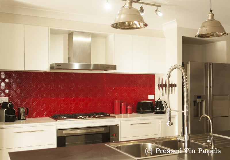 PressedTinPanels_Maze900x1800_Splashback_FlameRed_Full