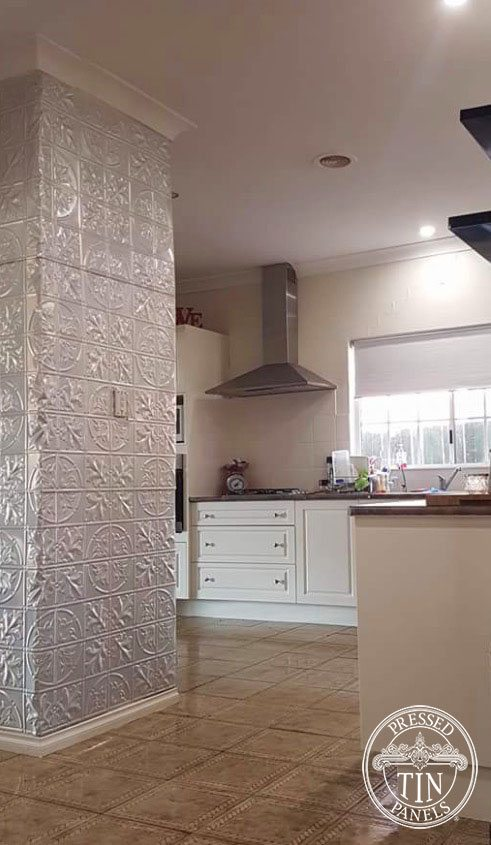 Feature Wall showcasing the Large Maple in a kitchen