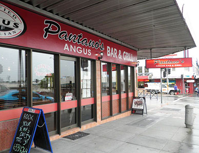 PantanosBar&Grill_WilliamsStBathurst