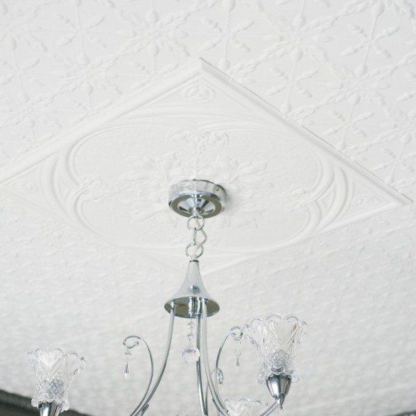 PressedTinPanels_Acorn Ceiling White Iris Small Grate Cornice