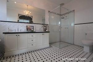 pressedtinpanels_lattice900x1800_bathroom_2