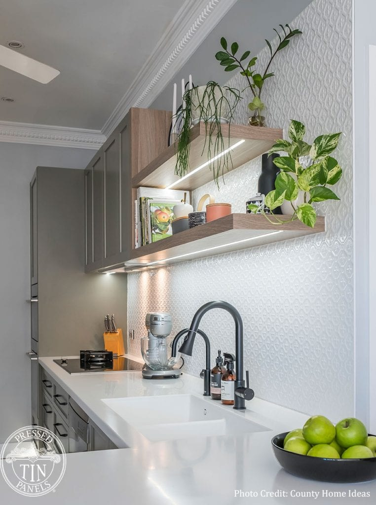 PressedTinPanels_Savannah900x1800_KitchenSplashback_WhiteSatin