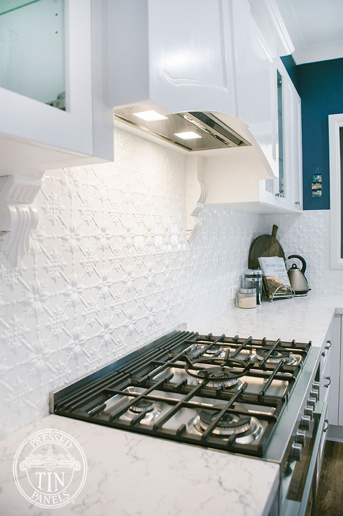 PressedTinPanels_Original_ClassicWhite_KitchenSplashback1