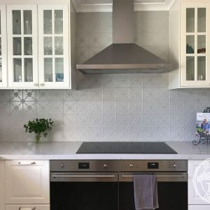 PressedTinPanels Clover Kitchen Splashback Mercury Silver