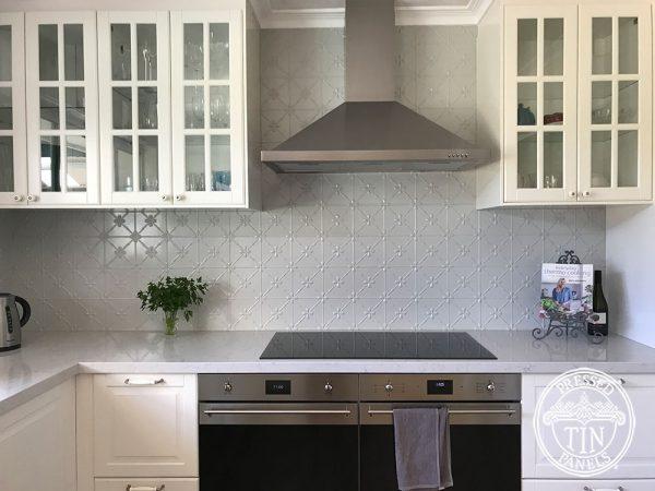 PressedTinPanels Clover Kitchen Splashback Mercury Silver