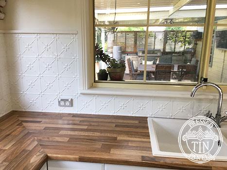 Pressed Tin Panels Clover Kitchen Splashback Classic White