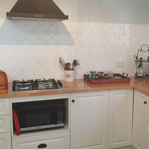 PressedTinPanels Clover KitchenSplashback ClassicWhite YvonneT