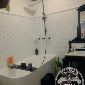 PressedTinPanels_Clover_Bathroom_ClassicWhite_SimonBull6